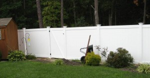 Solid Vinyl Fence w/ New England Caps