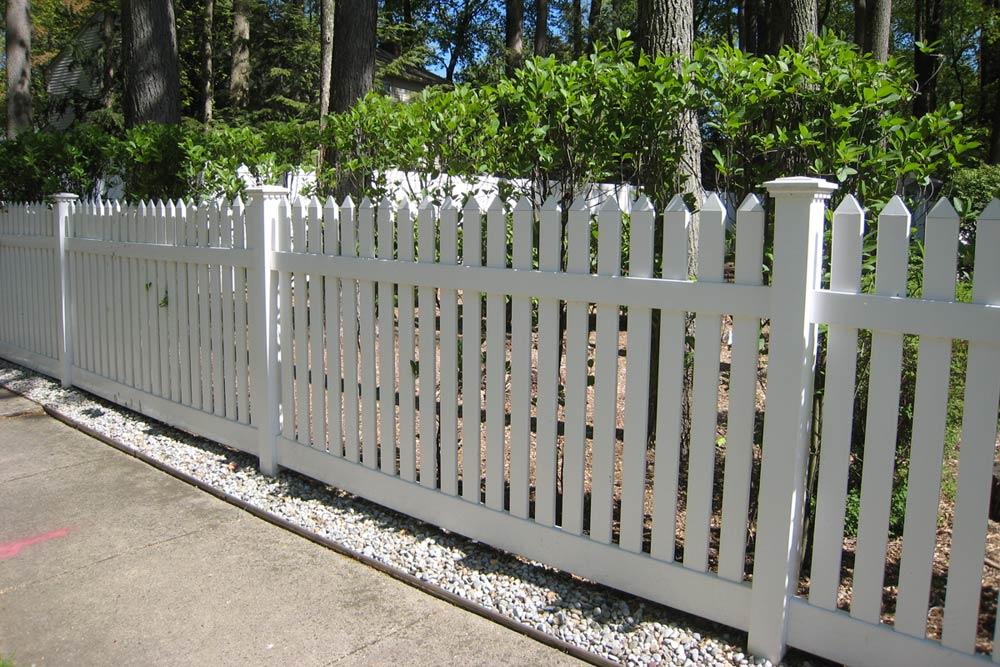 Vinyl Fence IMG 1617